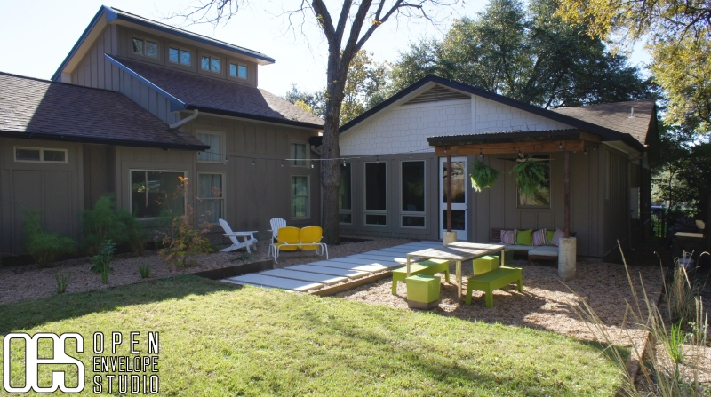 OES   Pea gravel patio and concrete pavers
